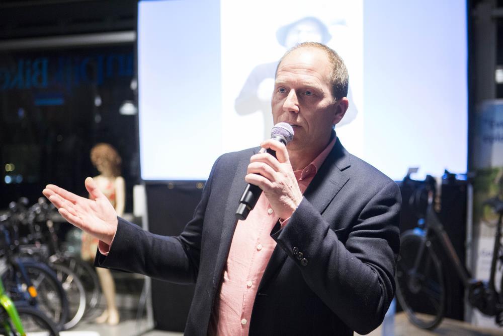 Rintje Ritsma vermaakt Businessclub IJsseldelta